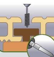 Fixation des lames de terrasse avec des clips en T