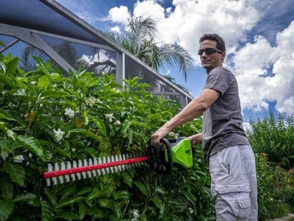 Greenworks-2200107UA-avis